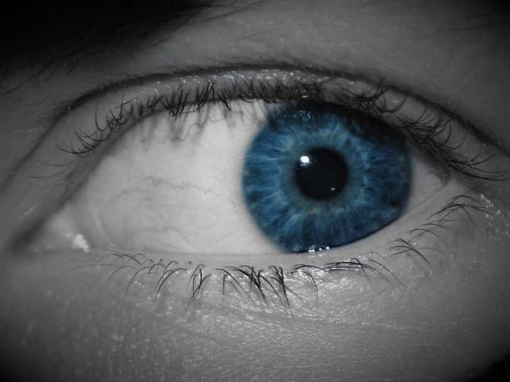 Cianofobia: fobia al color azul