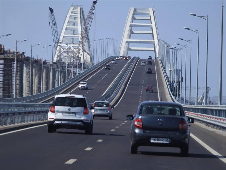 Coche subiendo puente   miedo alturas conduciendo
