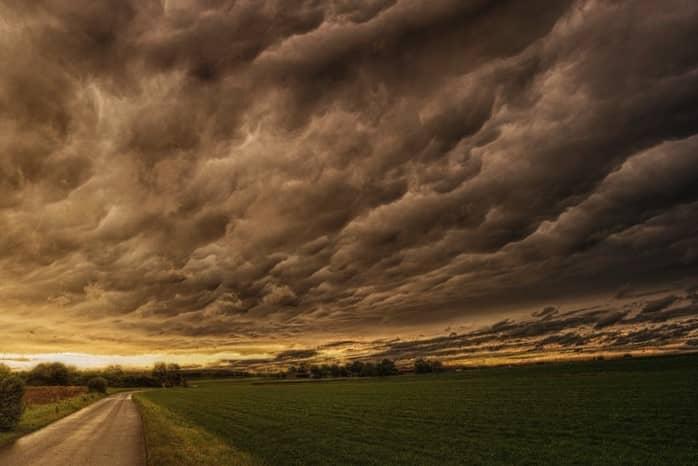 Nefofobia ▷ Fobia a las nubes